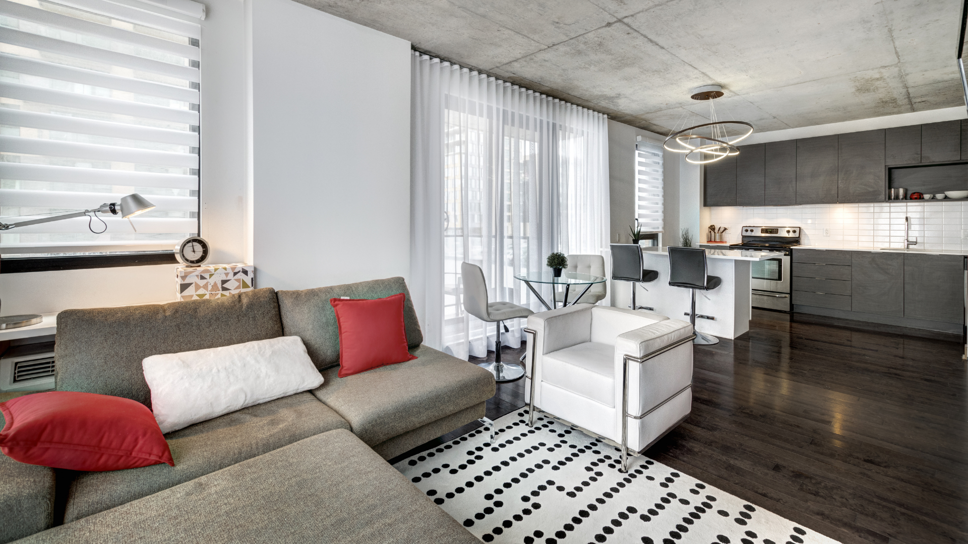 Pros and Cons: Renting Out A Furnished Apartment